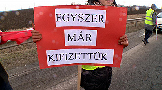 Országszerte tüntettek az útdíj ellen