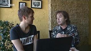 Szikora Robi felkarolta Puskás Petit