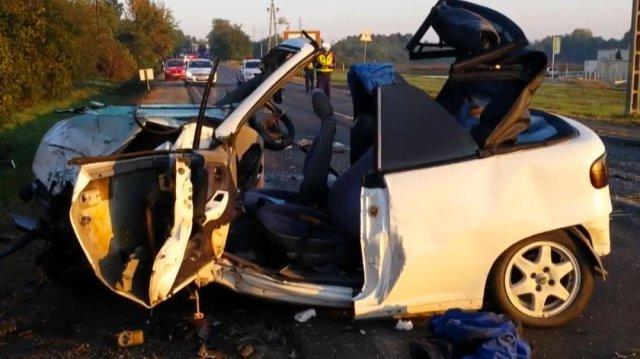 Hajnali baleset: ketten életveszélyben