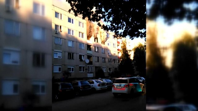 Kigyulladt egy harmadik emeleti lakás