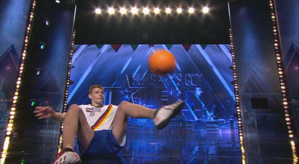 Megvan a Got Talent eddigi legnagyobb színpadi zakózása