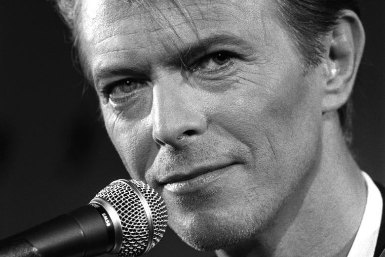Obi-Wan csillagok közt énekelt Bowie tiszteletére