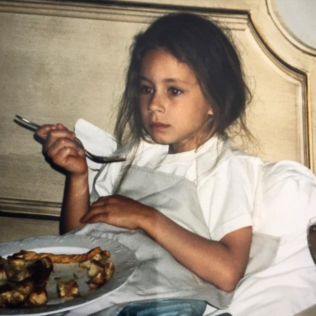 Gyerekkori fotók a Hazug csajok társaságának szereplőiről