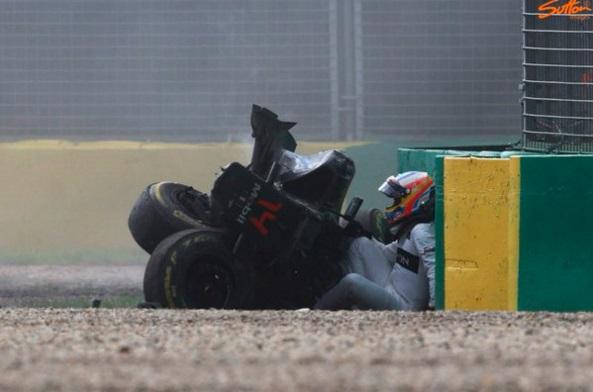 Brutális balesetet szenvedett Fernando Alonso