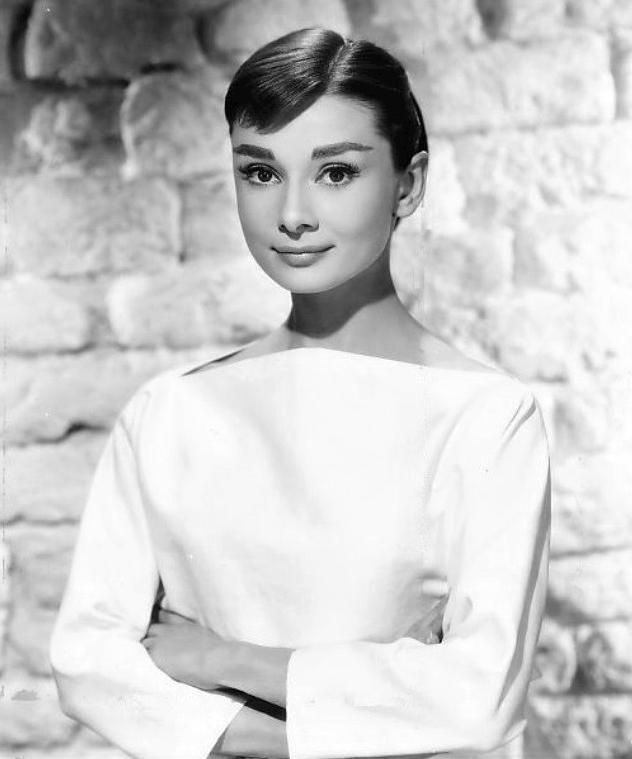 Tudod, mi a közös Rihannában, és Audrey Hepburnben? Íme, a válasz!