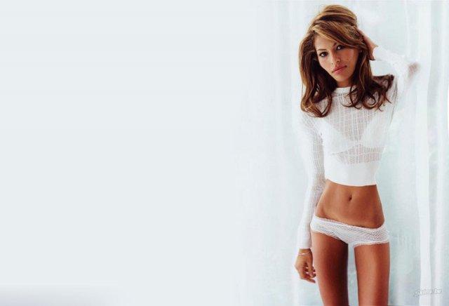 Sokkoló képek az anorexiás Angelina Jolie-ról – csak erős idegzetűeknek!