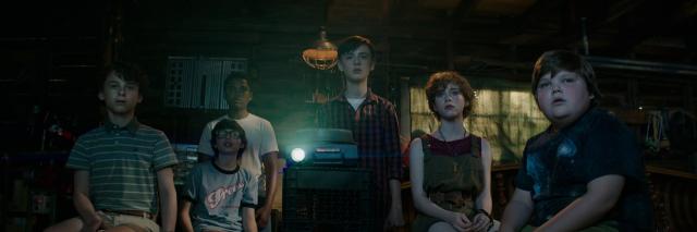 Az kritika: avagy ilyen egy szívmelengetően rettegős horrorfilm